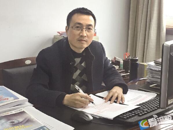 title='冉楗强:积极建言献策 履职服务民生'